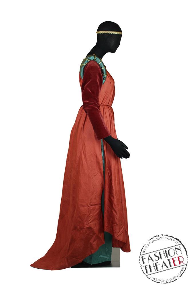 abito-medioevo-dama-rosso-giocovita-fianco